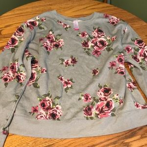 No boundaries flower sweater